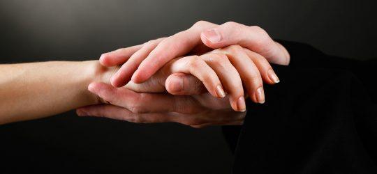 manos perdon